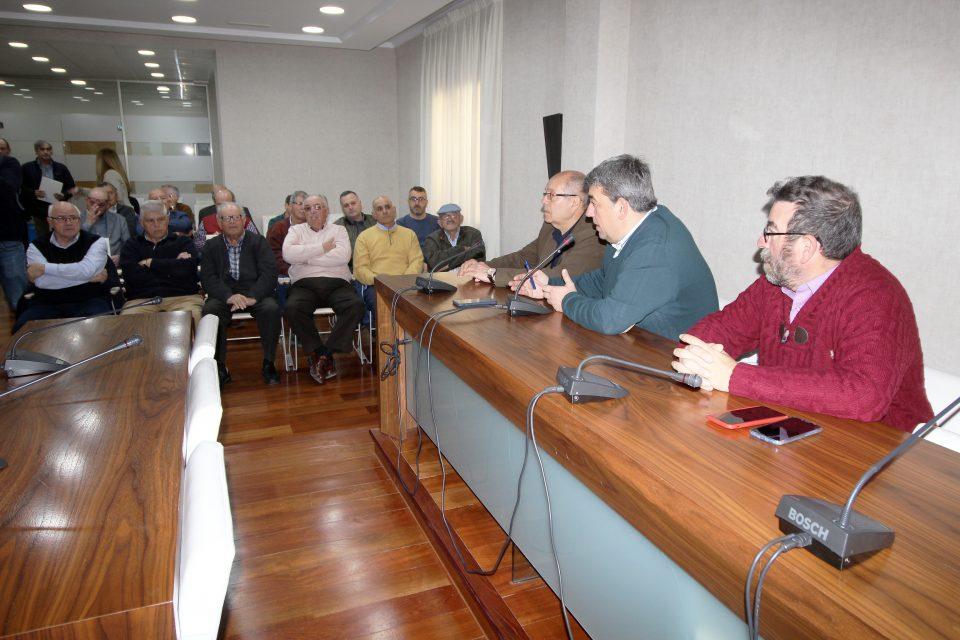 Los regantes se reúnen en Guardamar para conocer los proyectos hidráulicos 6