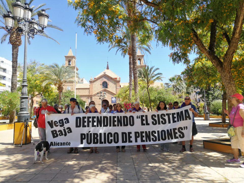 La Plataforma de las Pensiones Públicas continúa su lucha en Torrevieja 6