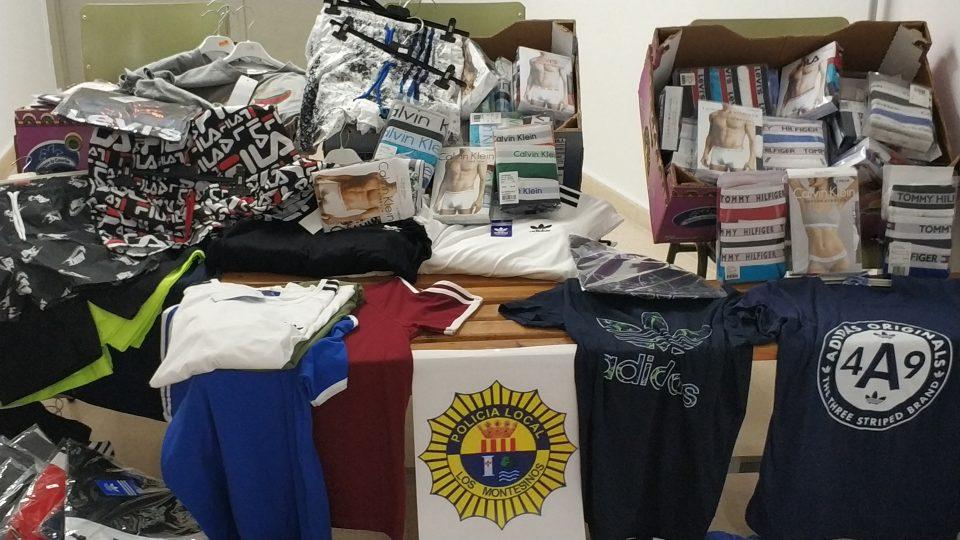 La Policía Local incauta productos falsificados en el mercadillo de Los Montesinos 6