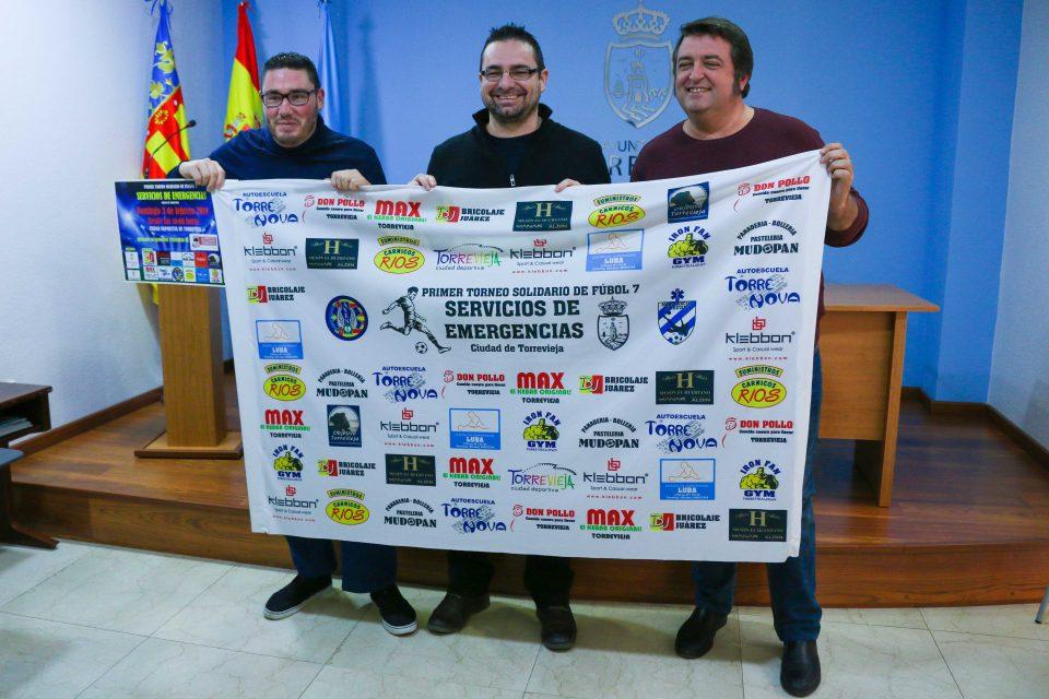 Los servicios de emergencias de Torrevieja se retan en un torneo de fútbol 6