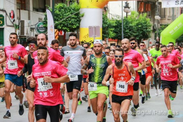 La solidaridad rosa gana la carrera contra el cáncer 18