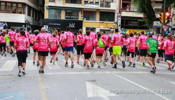 La solidaridad rosa gana la carrera contra el cáncer 25