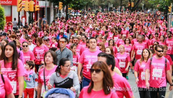La solidaridad rosa gana la carrera contra el cáncer 36