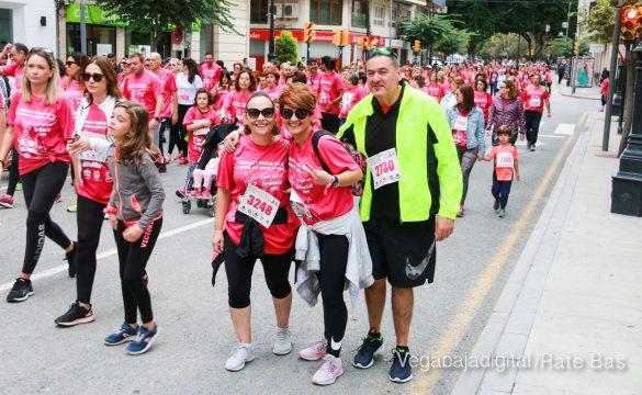 La solidaridad rosa gana la carrera contra el cáncer 40