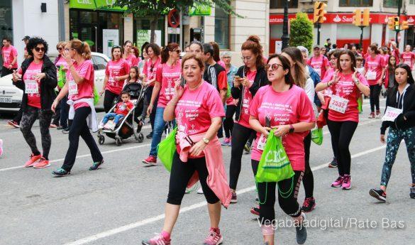 La solidaridad rosa gana la carrera contra el cáncer 41