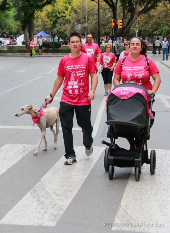 La solidaridad rosa gana la carrera contra el cáncer 43