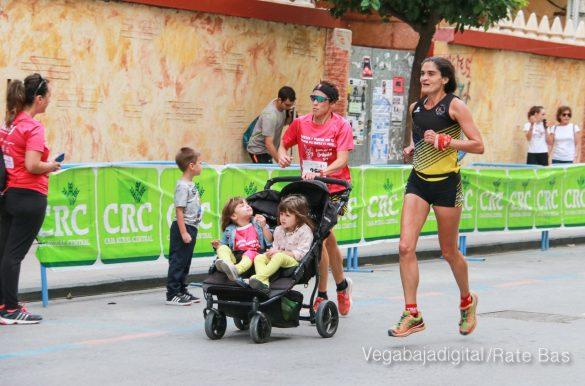La solidaridad rosa gana la carrera contra el cáncer 52