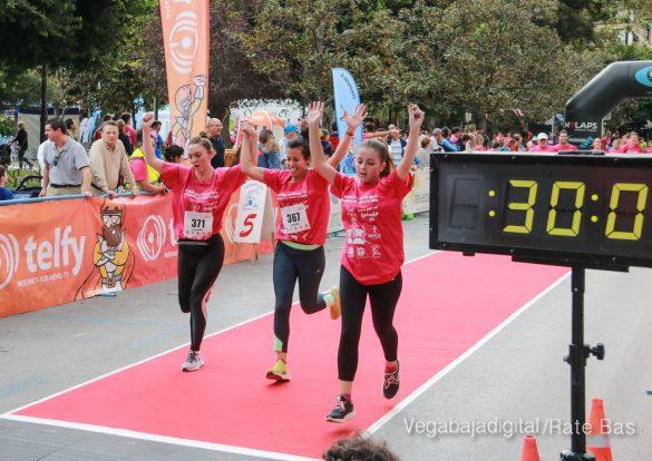 La solidaridad rosa gana la carrera contra el cáncer 56