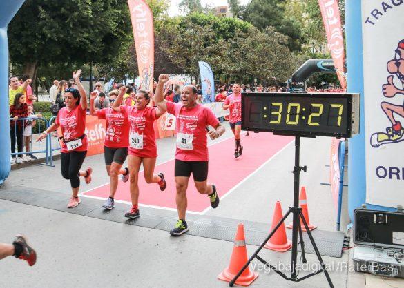 La solidaridad rosa gana la carrera contra el cáncer 58