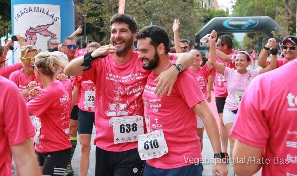 La solidaridad rosa gana la carrera contra el cáncer 59