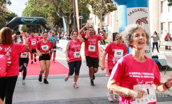 La solidaridad rosa gana la carrera contra el cáncer 61