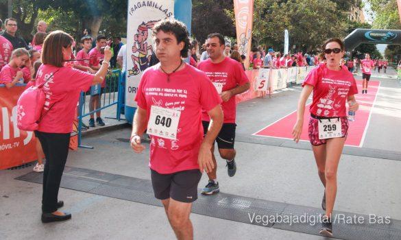 La solidaridad rosa gana la carrera contra el cáncer 63