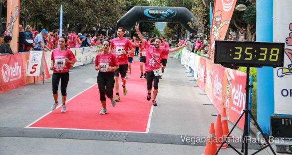 La solidaridad rosa gana la carrera contra el cáncer 66