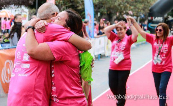 La solidaridad rosa gana la carrera contra el cáncer 69