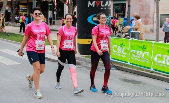 La solidaridad rosa gana la carrera contra el cáncer 74