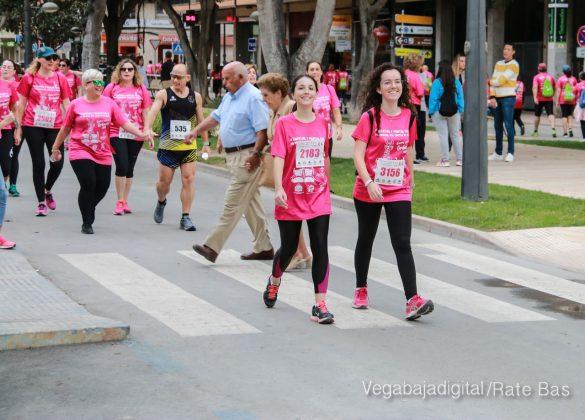 La solidaridad rosa gana la carrera contra el cáncer 75