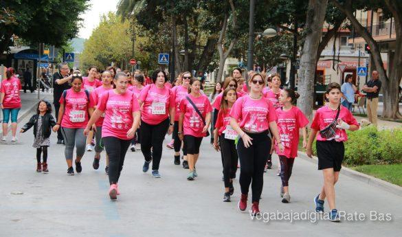 La solidaridad rosa gana la carrera contra el cáncer 78