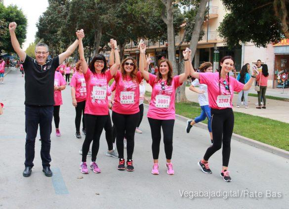 La solidaridad rosa gana la carrera contra el cáncer 79