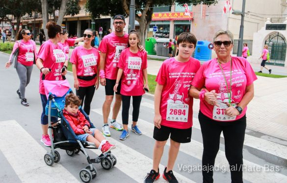La solidaridad rosa gana la carrera contra el cáncer 84