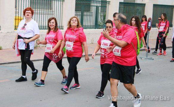 La solidaridad rosa gana la carrera contra el cáncer 88