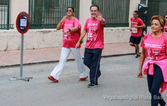 La solidaridad rosa gana la carrera contra el cáncer 90