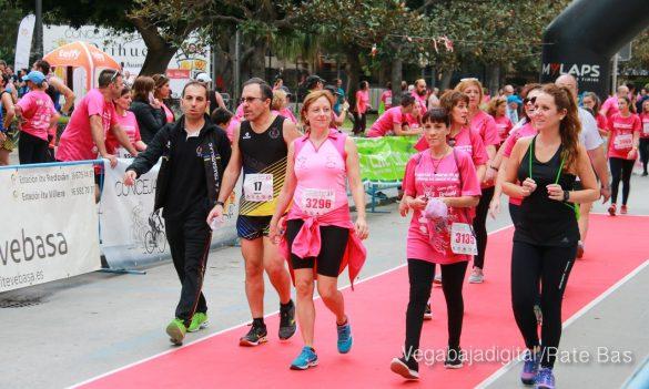 La solidaridad rosa gana la carrera contra el cáncer 96