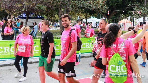 La solidaridad rosa gana la carrera contra el cáncer 100