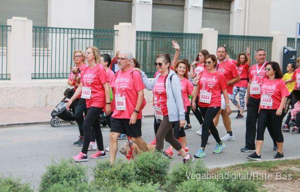 La solidaridad rosa gana la carrera contra el cáncer 107