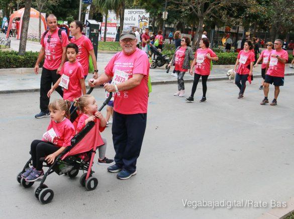 La solidaridad rosa gana la carrera contra el cáncer 108