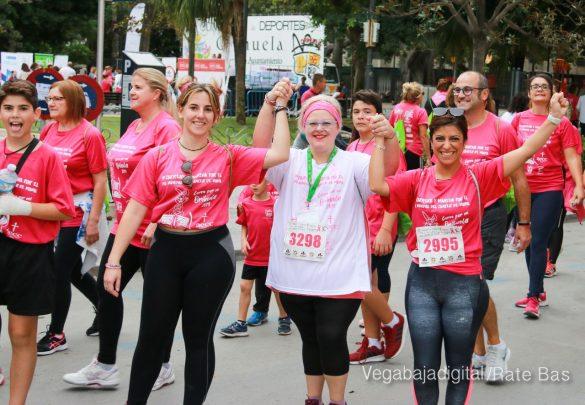 La solidaridad rosa gana la carrera contra el cáncer 109