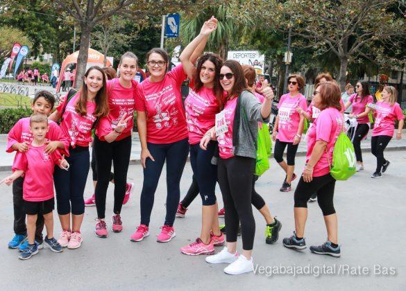 La solidaridad rosa gana la carrera contra el cáncer 110