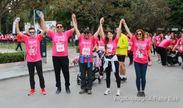 La solidaridad rosa gana la carrera contra el cáncer 119