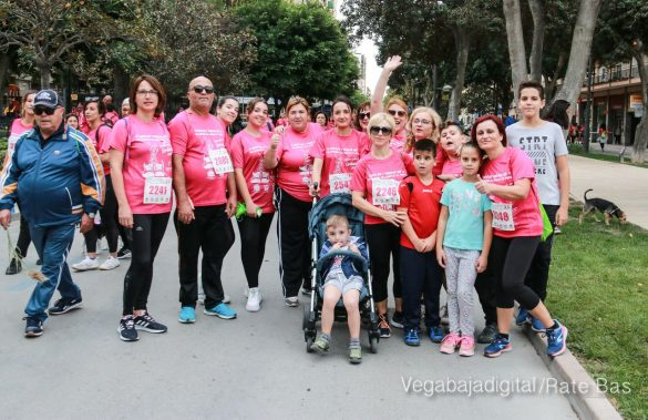 La solidaridad rosa gana la carrera contra el cáncer 123
