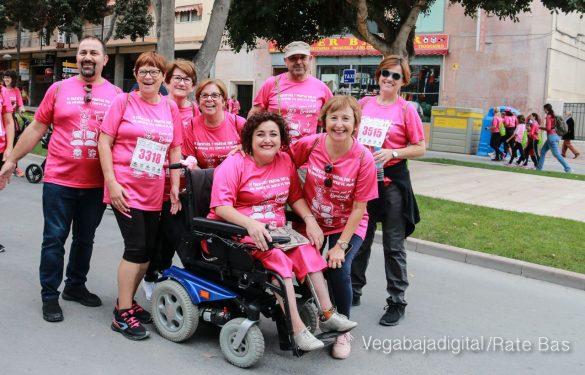 La solidaridad rosa gana la carrera contra el cáncer 129