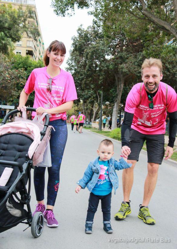 La solidaridad rosa gana la carrera contra el cáncer 140