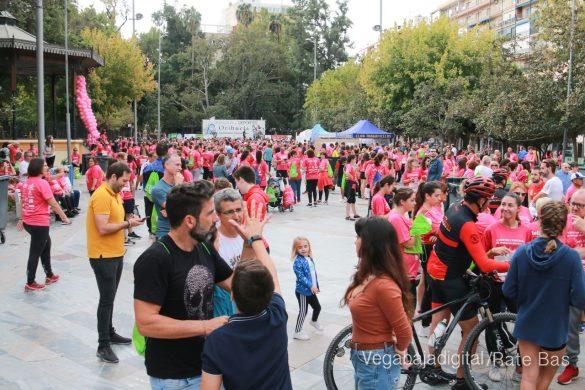 La solidaridad rosa gana la carrera contra el cáncer 143