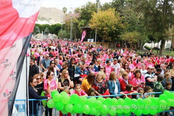 La solidaridad rosa gana la carrera contra el cáncer 148