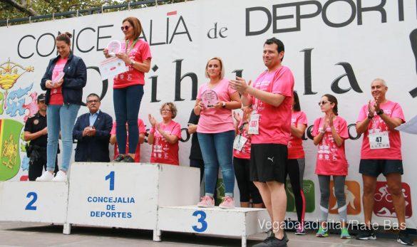 La solidaridad rosa gana la carrera contra el cáncer 150