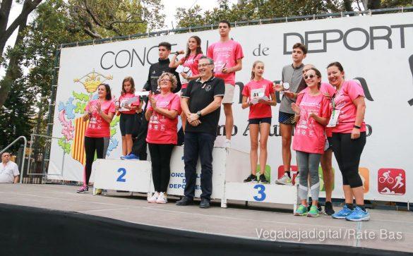 La solidaridad rosa gana la carrera contra el cáncer 151