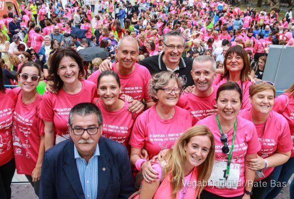 La solidaridad rosa gana la carrera contra el cáncer 157