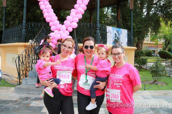 La solidaridad rosa gana la carrera contra el cáncer 165