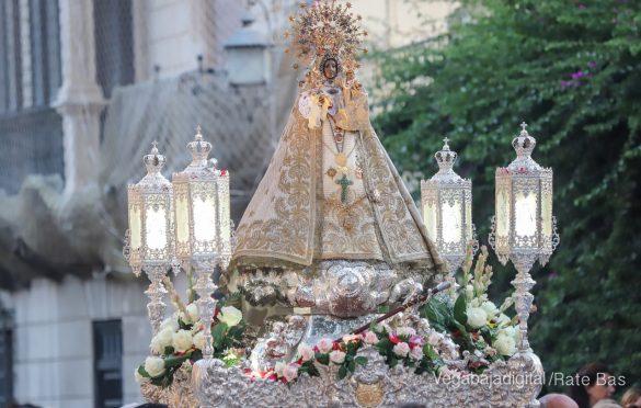Miles de personas acompañan a la Virgen de Monserrate a su Santuario 25