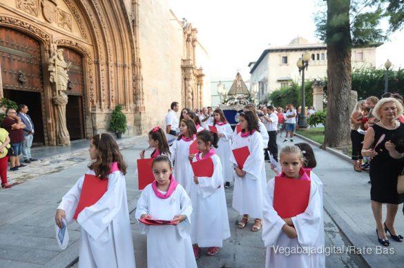 Miles de personas acompañan a la Virgen de Monserrate a su Santuario 27