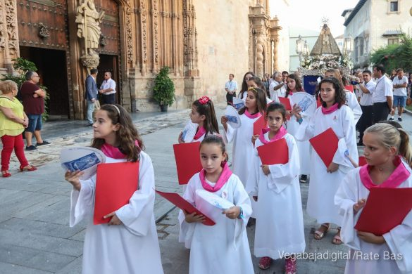 Miles de personas acompañan a la Virgen de Monserrate a su Santuario 28