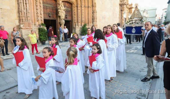 Miles de personas acompañan a la Virgen de Monserrate a su Santuario 29