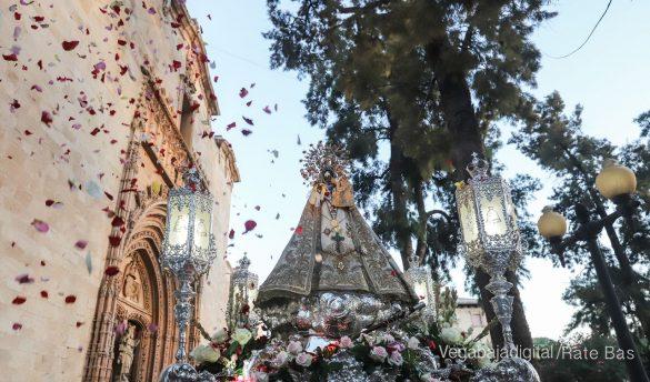 Miles de personas acompañan a la Virgen de Monserrate a su Santuario 32