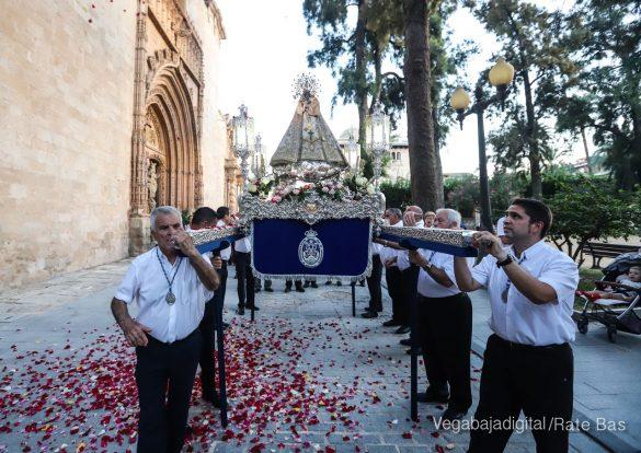 Miles de personas acompañan a la Virgen de Monserrate a su Santuario 33