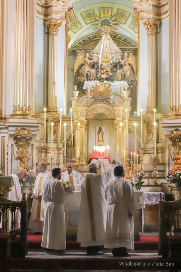 Miles de personas acompañan a la Virgen de Monserrate a su Santuario 76