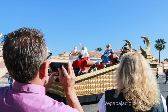 Los Reyes Magos también llegan a Orihuela Costa 56