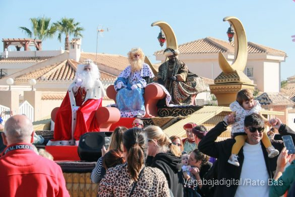 Los Reyes Magos también llegan a Orihuela Costa 55